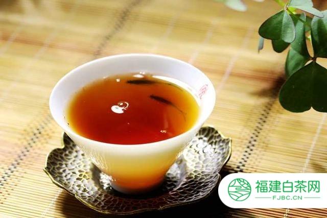 普洱茶奇葩现象之生茶比熟茶贵