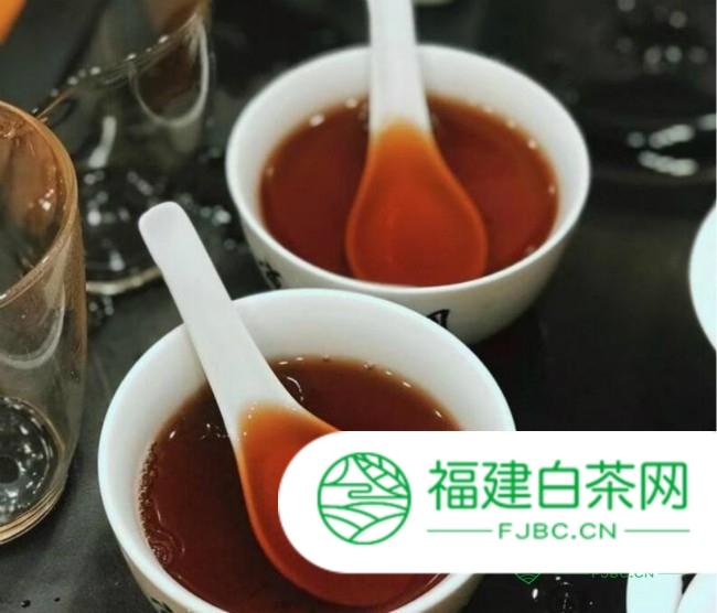 岩茶和红茶的区别