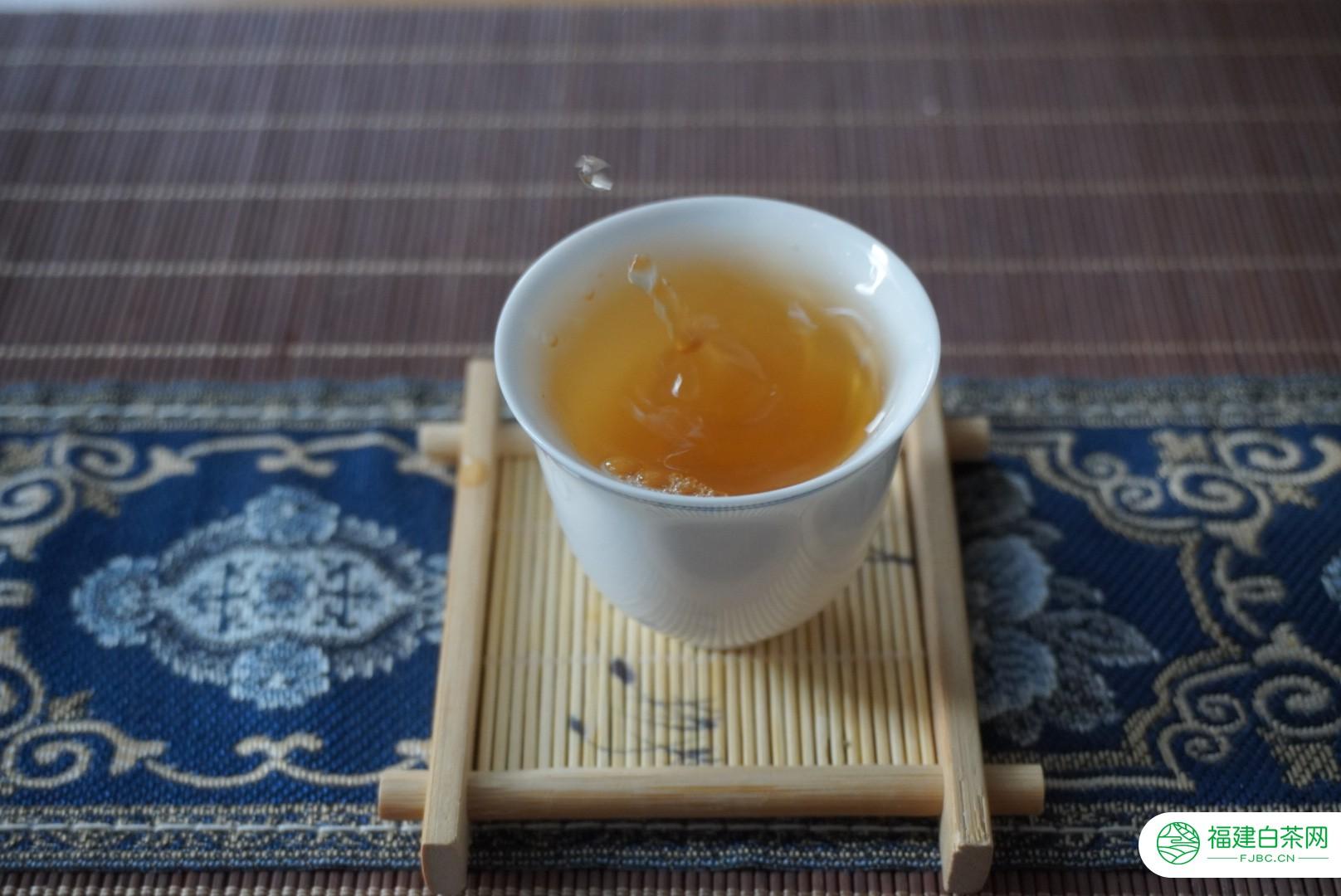 普洱新生茶如何判断陈化潜力?好茶都有这4个表现特征,建议收藏