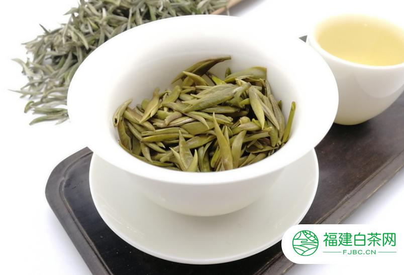 白茶绿茶红茶哪个贵一点