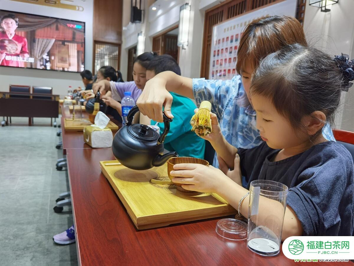 """传承茶文化 西湖区留下街道举办""""宋式点茶""""活动"""