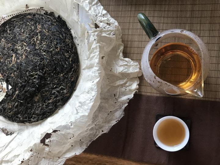 小喜年掌柜品茶记-05年易武春尖顺时兴和08年定制顺时兴号