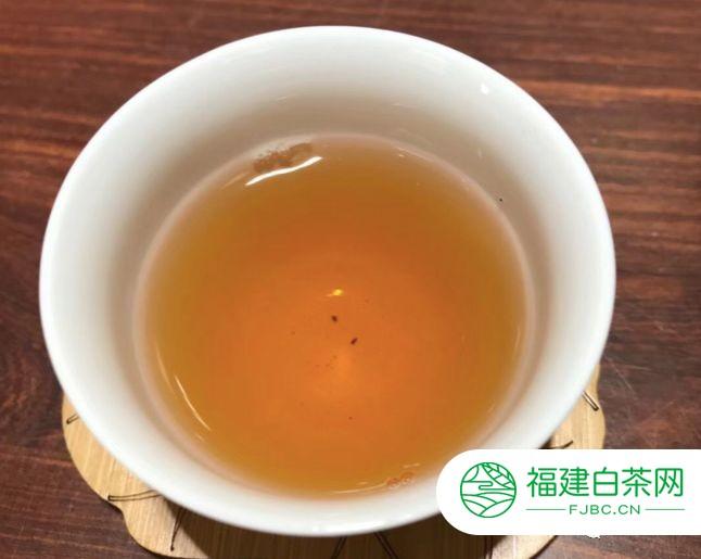 六星孔雀变凤凰!这片明星普洱茶,为何冲到30万天价?