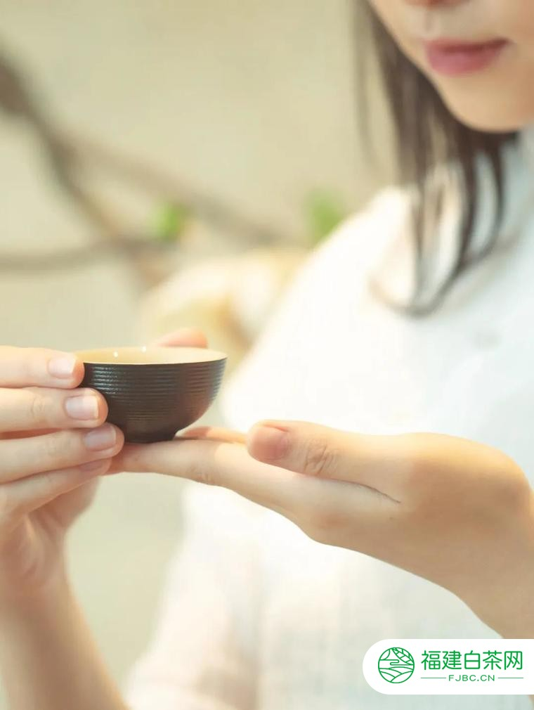 下关沱茶:咖啡是情怀,茶是境界。
