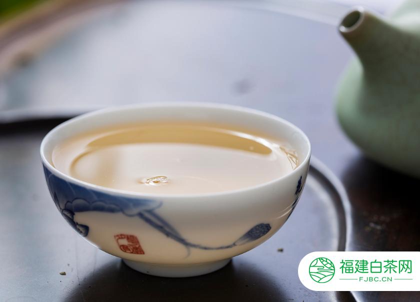 饮用白茶的保健作用