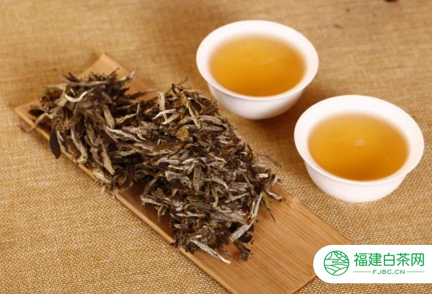 饮用老白茶的功效有哪些
