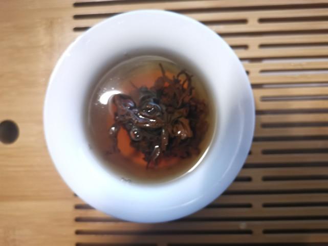 小茶控品鉴包の古树晒红:不伦不类的红茶 云南「晒红」初体验